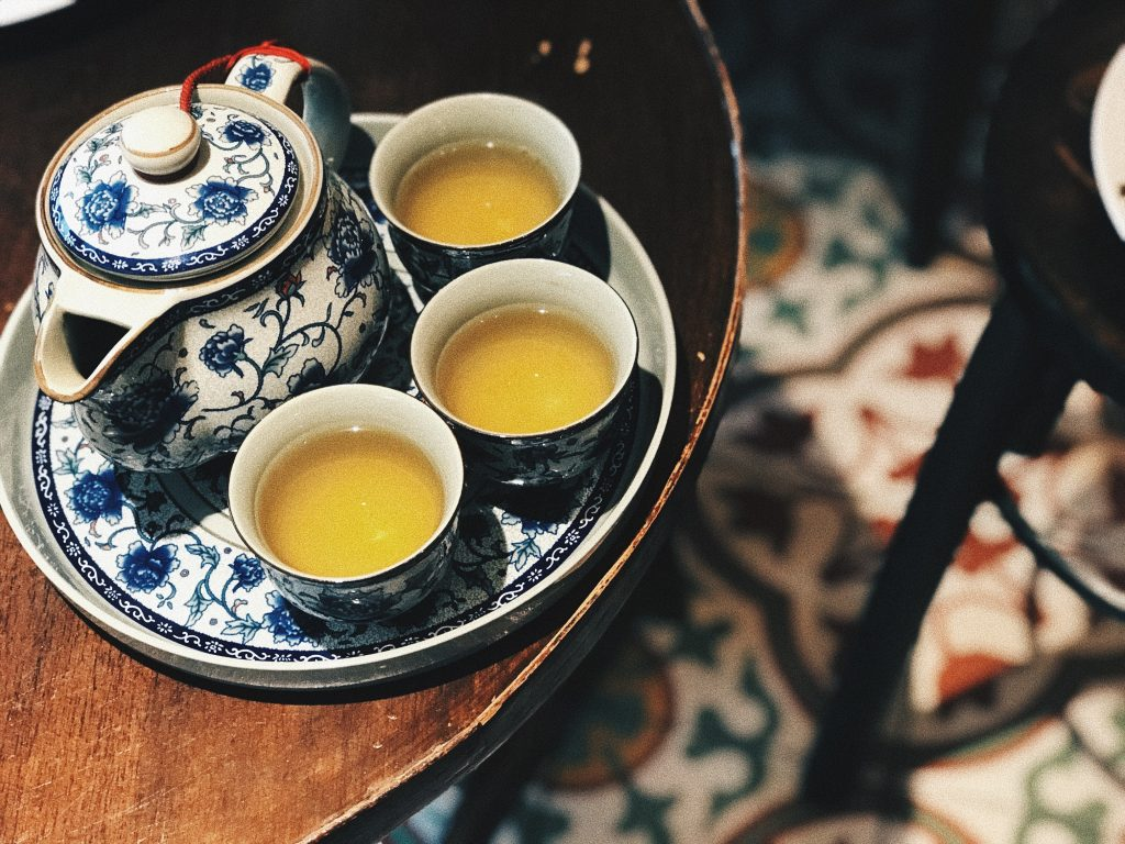 Chinese teapot and mugs: may help you cope with fever.